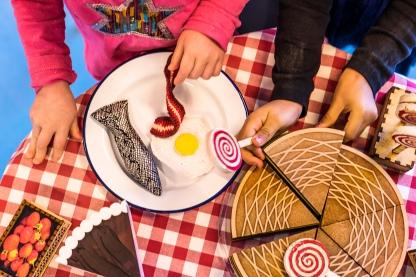 Alle aktiviteter har indbygget legende og kreative elementer, hvor børnene selv kan finde på, hvad der skal serveres i hr. Struganoffs restaurant. Foto: Christoffer Askman Photography