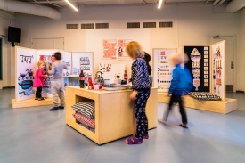 Ligesom de øvrige udstillinger i Fang Fortællingen er også udstillingen baseret på Hr. Struganoff designet til at kunne lånes ud til andre biblioteker.Foto: Christoffer Askman Photography